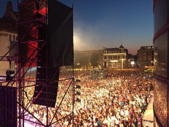 GALERIE FOTO. 10.000 de oameni, sambata seara, in Piata Ovidiu